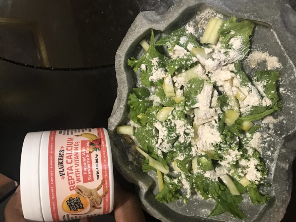 bearded-dragon-calcium-powder-on-veggies