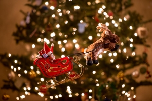 santa-clause-elf-on-the-shelf