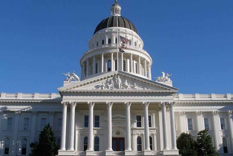 949px-Californiastatecapitol