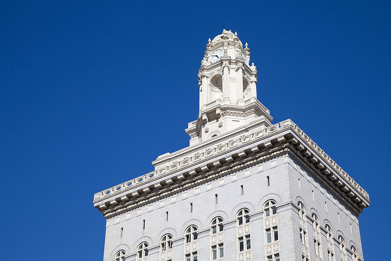 Oakland City Council Passes New Tenant Protections