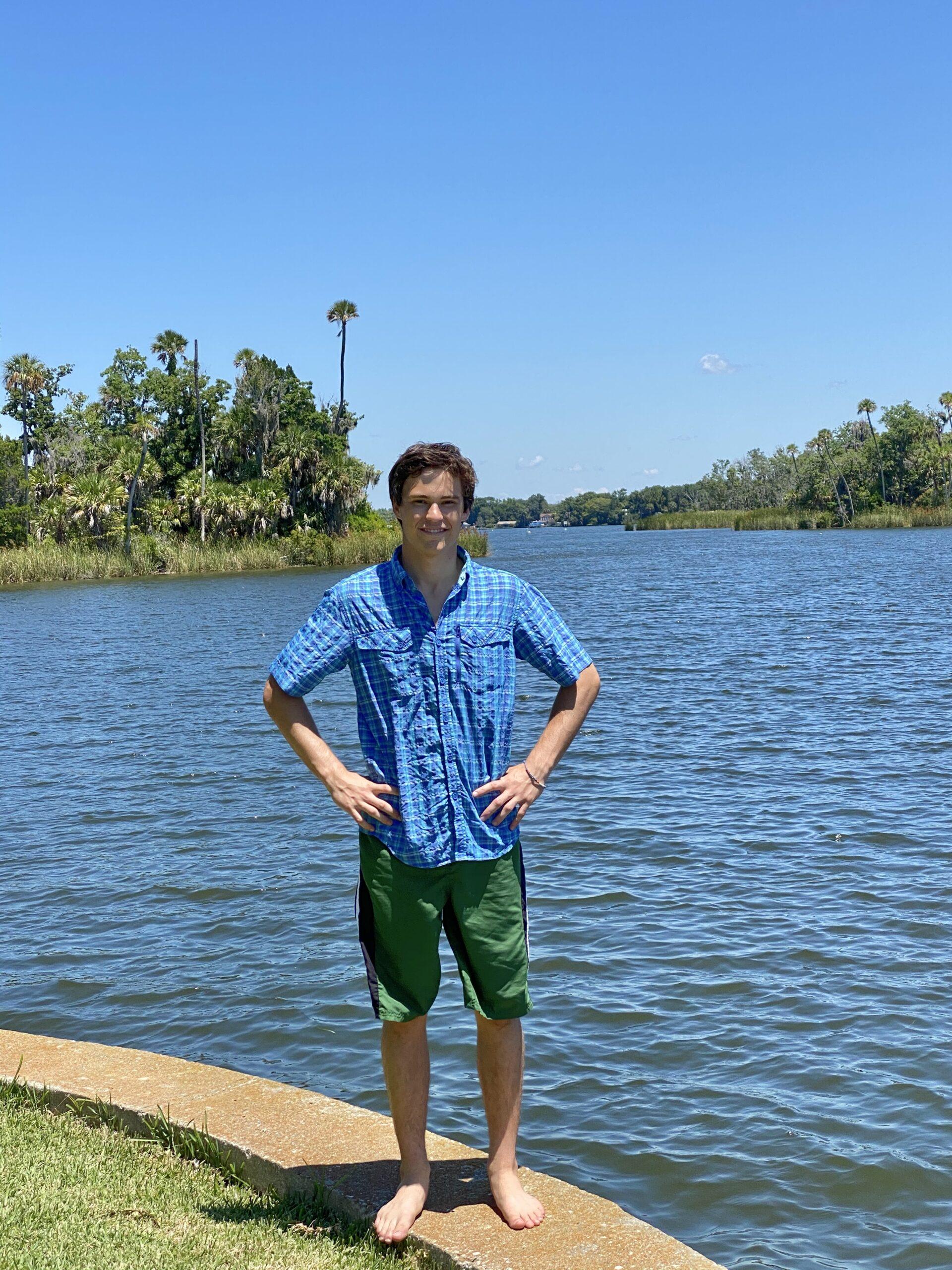 Picture showing Walker Willis alongside Crystal River