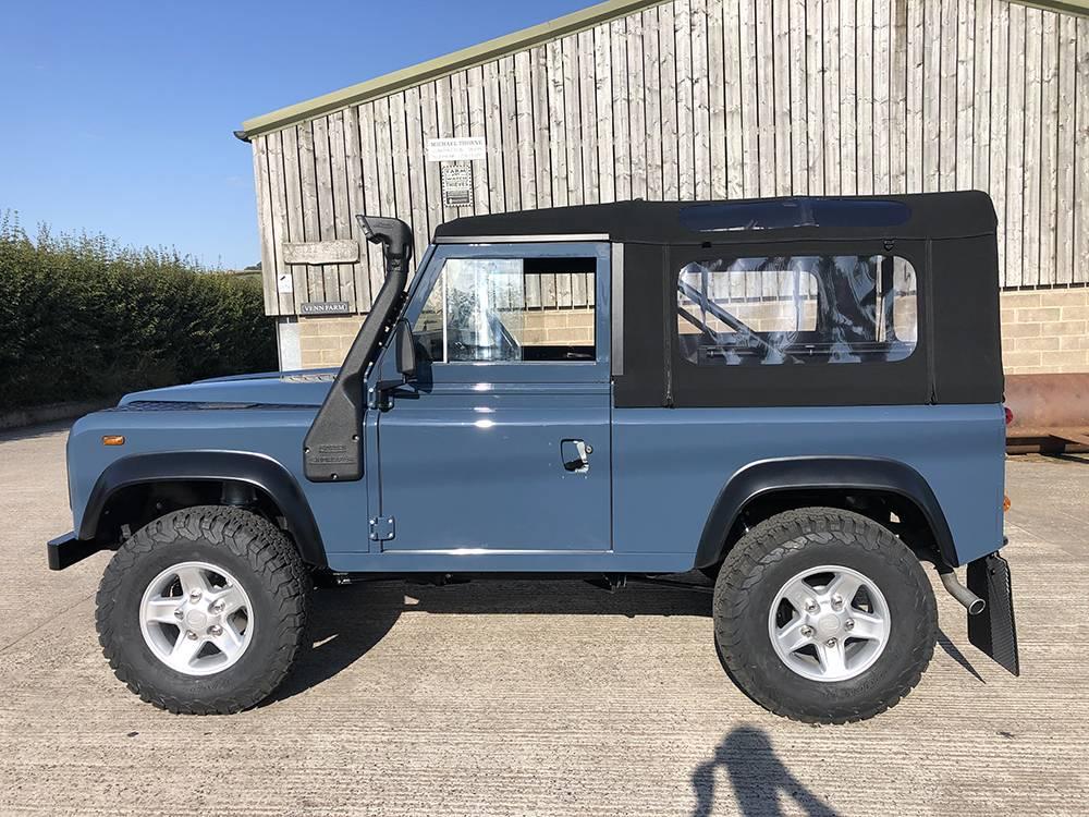 Land Rover Arles Blue 90 41