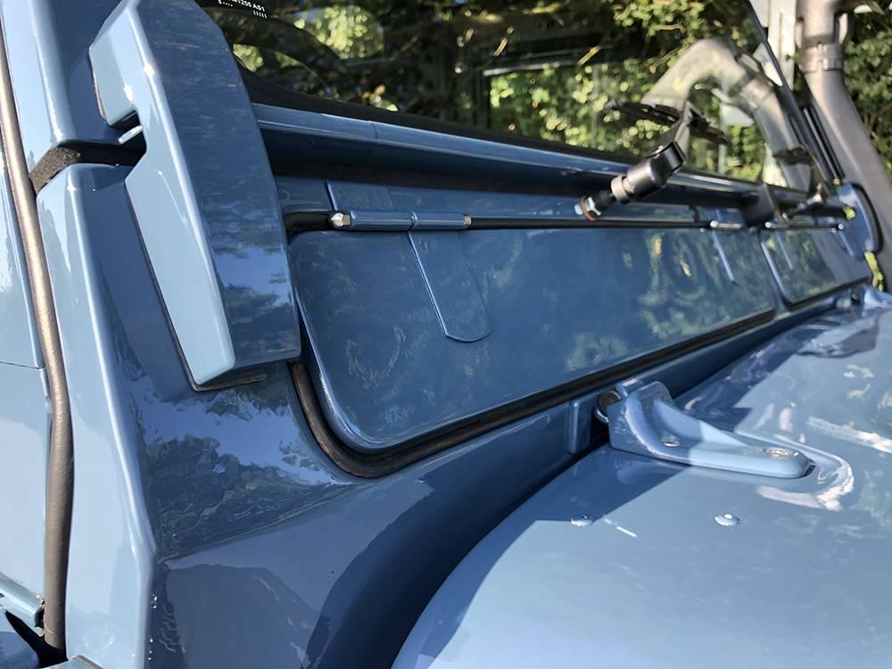 Land Rover Arles Blue 90 63