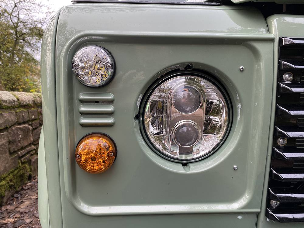 Land Rover D110 Heritage Green 7435