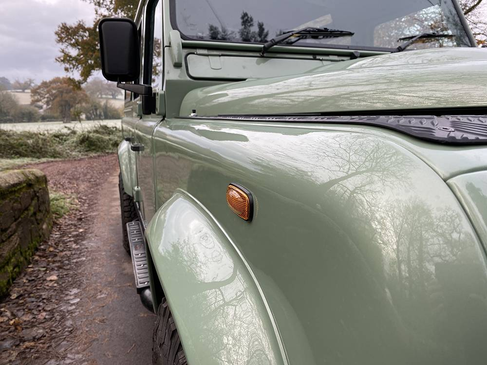 Land Rover D110 Heritage Green 7437