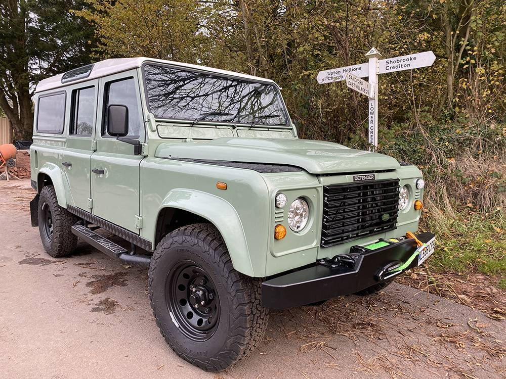 Land Rover D110 Heritage Green 7443