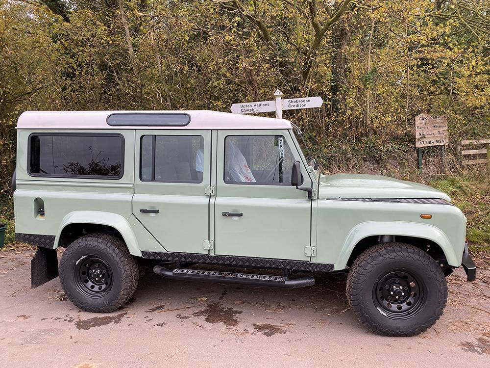 Land Rover D110 Heritage Green 7444