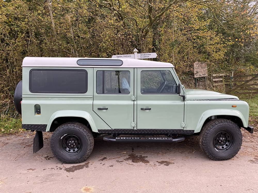 Land Rover D110 Heritage Green 7445
