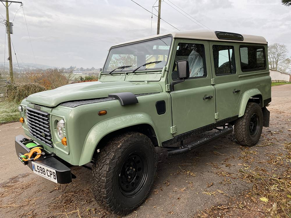 Land Rover D110 Heritage Green 7451