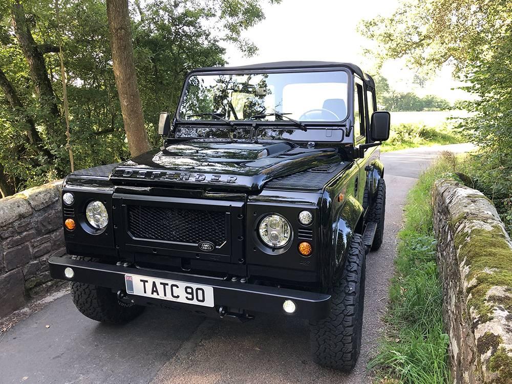 Land Rover Defender 90 Black KBX   11 1