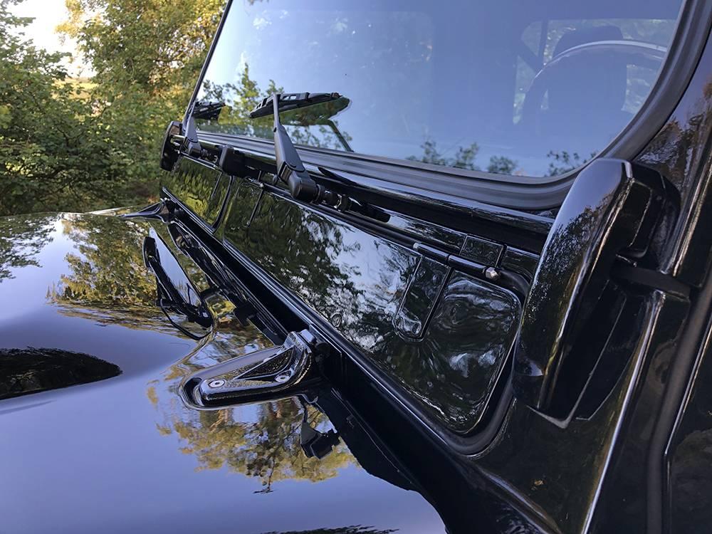 Land Rover Defender 90 Black KBX   12
