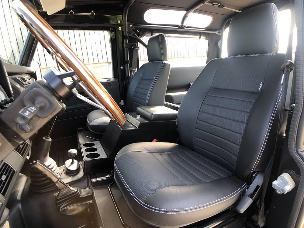 Land Rover Defender 90 Black KBX   13