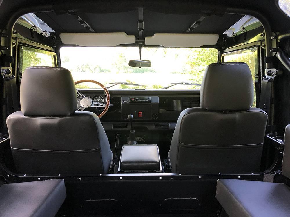 Land Rover Defender 90 Black KBX   14