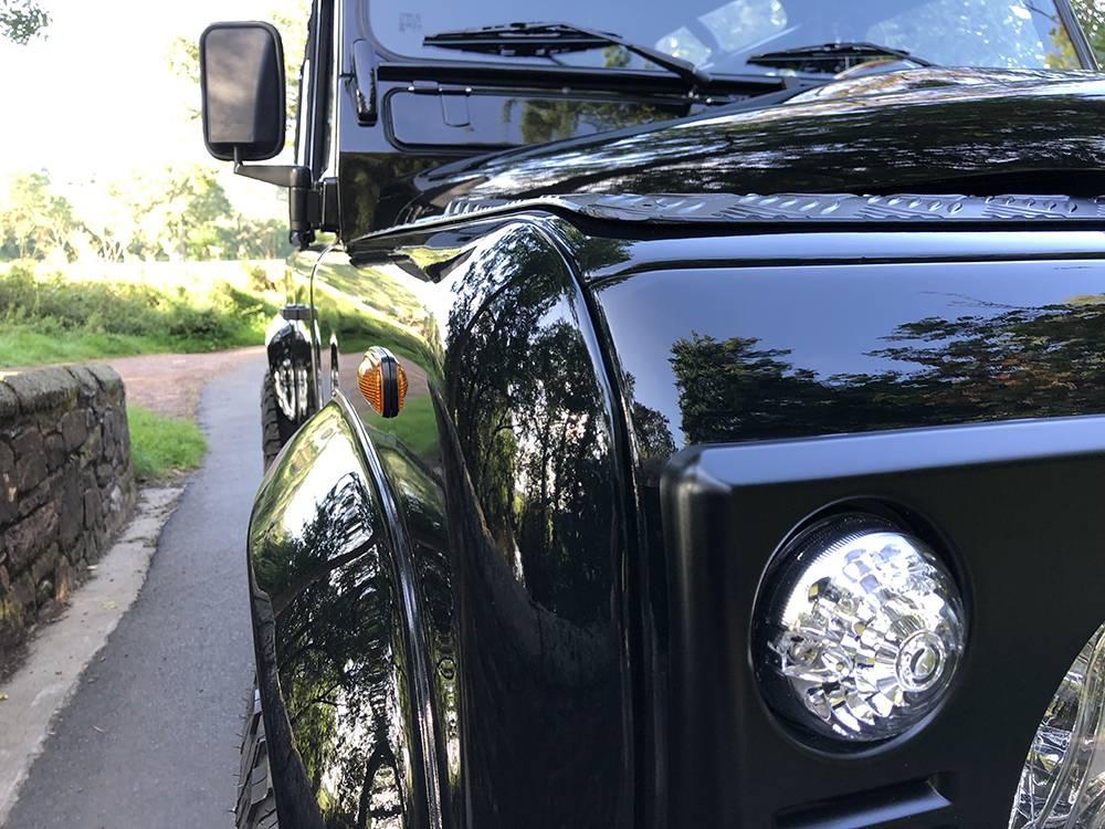 Land Rover Defender 90 Black KBX   15