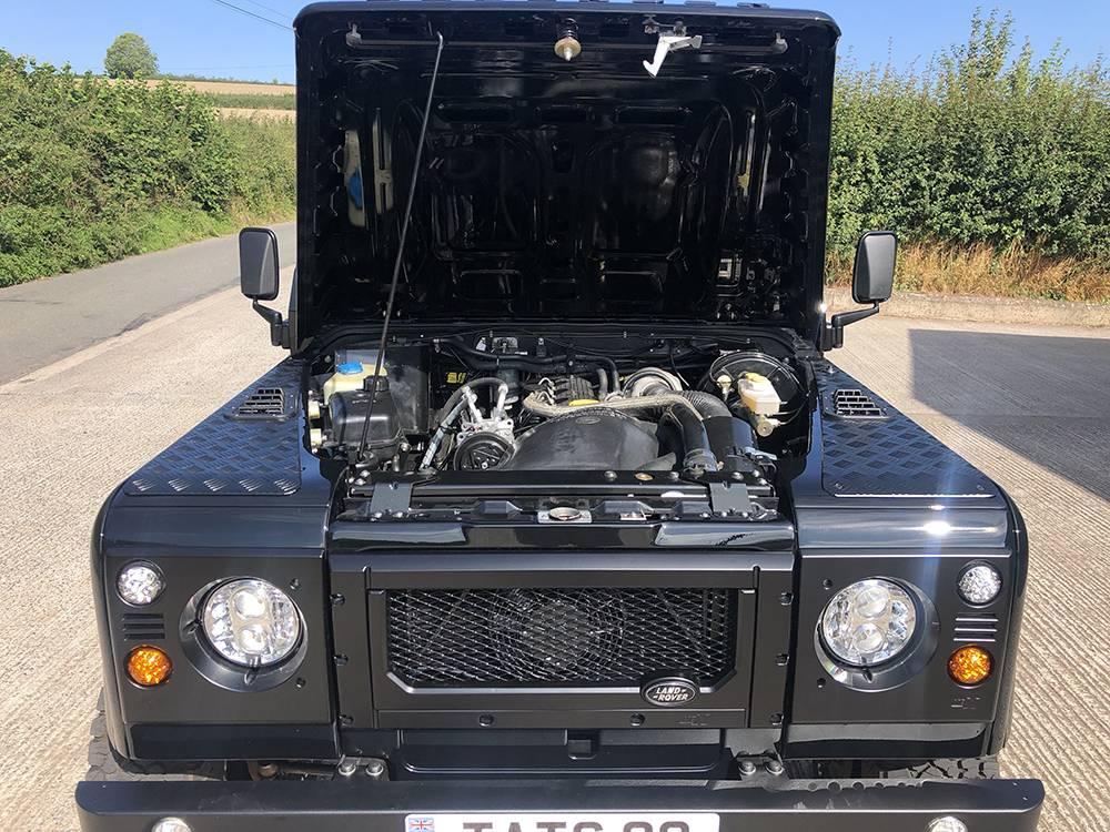 Land Rover Defender 90 Black KBX   18