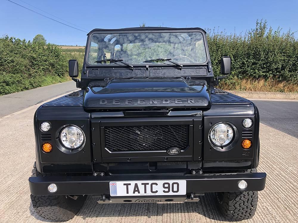 Land Rover Defender 90 Black KBX   5