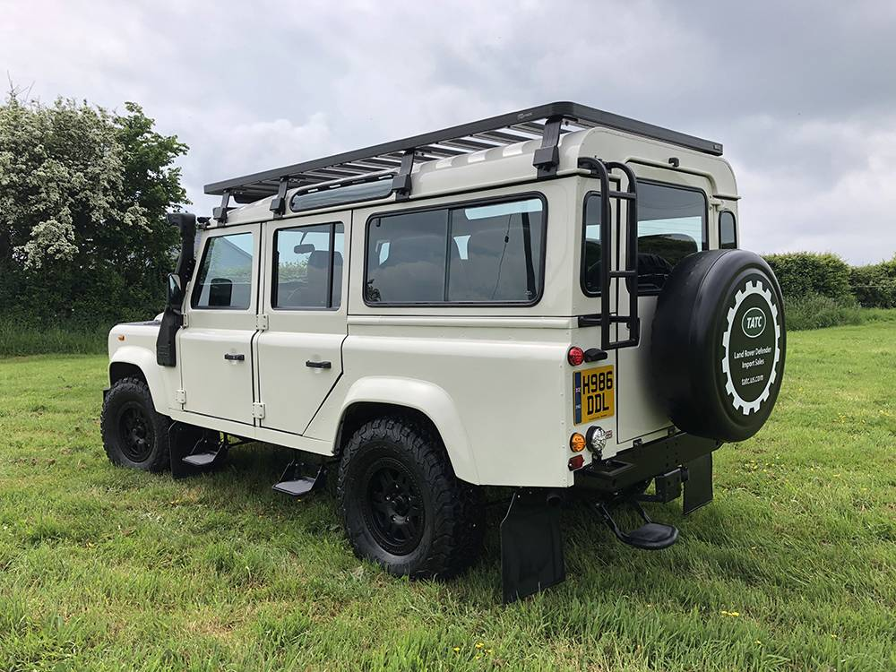 Land Rover Defender 110 Alpine White11