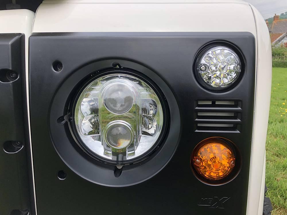 Land Rover Defender 110 Alpine White18