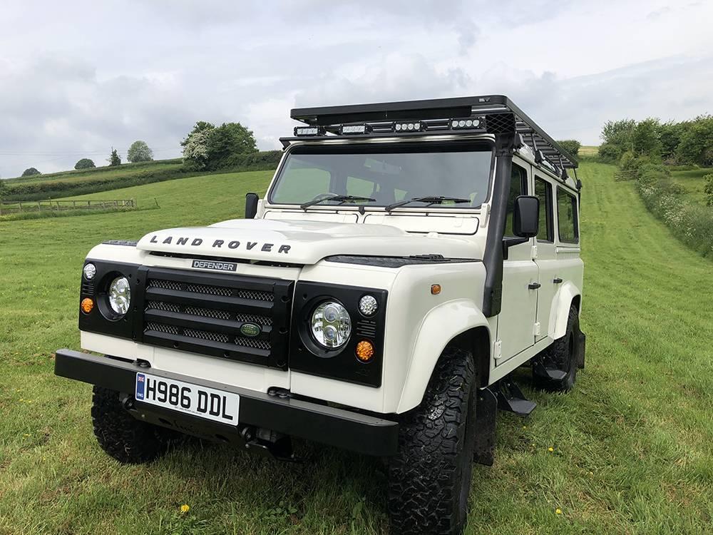 Land Rover Defender 110 Alpine White8