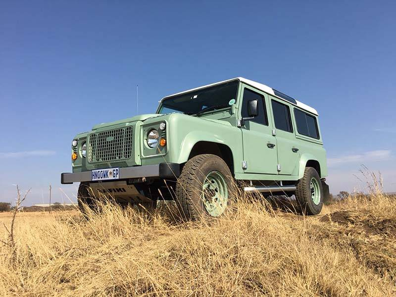 Landrover Defender 110 CSW 5 a