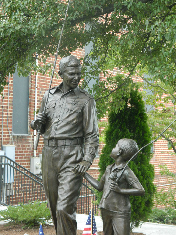 Andy and Opie statue 10