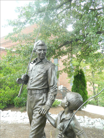 Andy and Opie statue 5