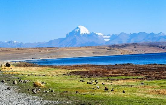Mount Kailash Tour with Hike to Everest Base Camp (EBC)