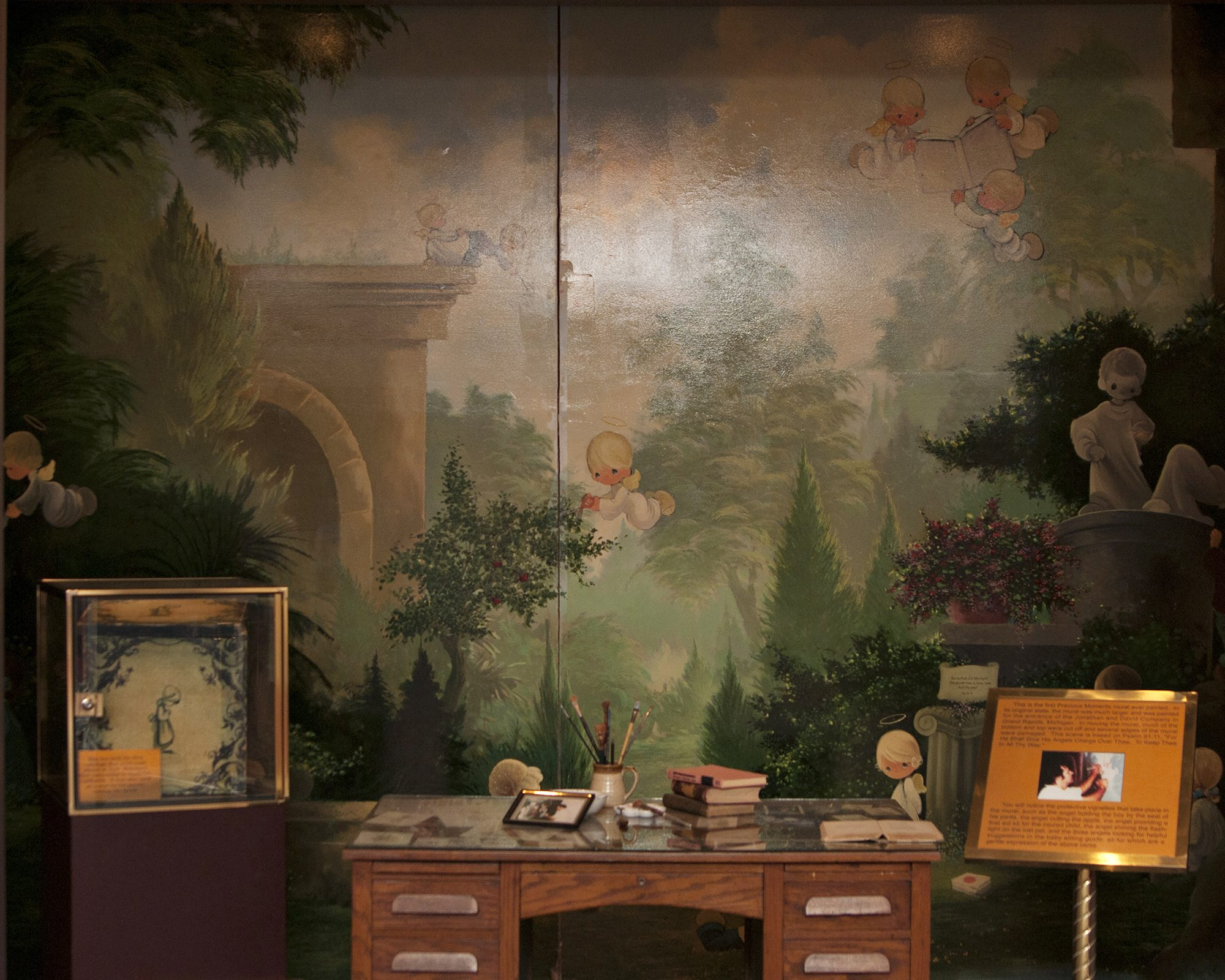 Museum - desk FPO