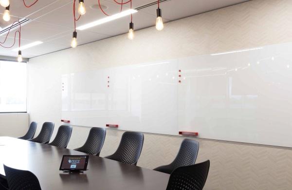 Glassboard-Corpoarte-Conference-Room