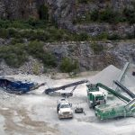overhead-quarry-mobile-rock-crushing