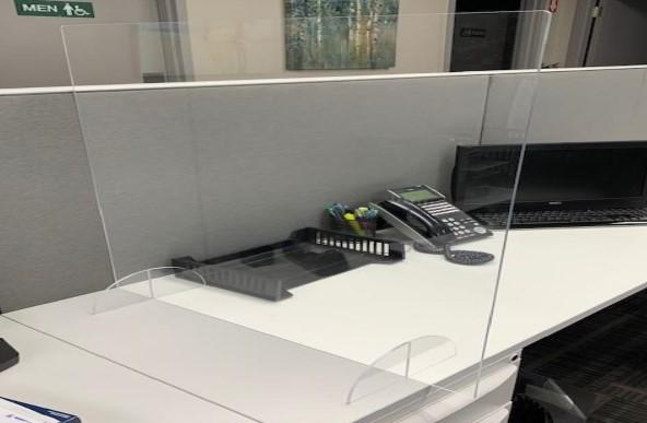 Plexiglass Sneeze Guards Desk