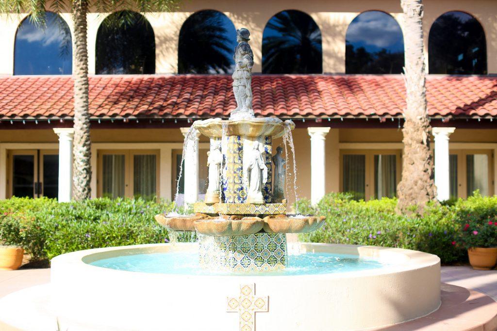 Venue Mission Inn Resort Fountain   Red & Black Wedding Classic Romantic Dark Mission Inn Resort Anna Christine Events Wings of Glory Photography