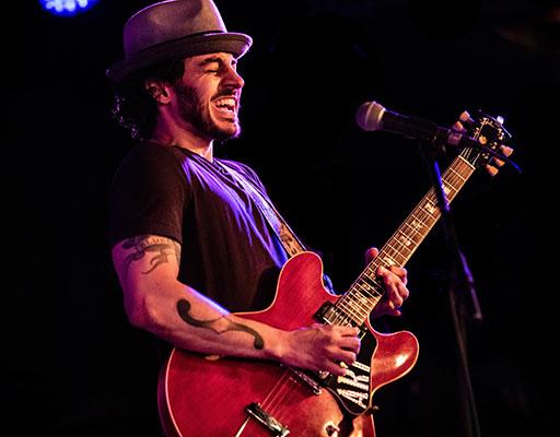 Artur Menezes performing live at Arts Garage in OCtober 2019