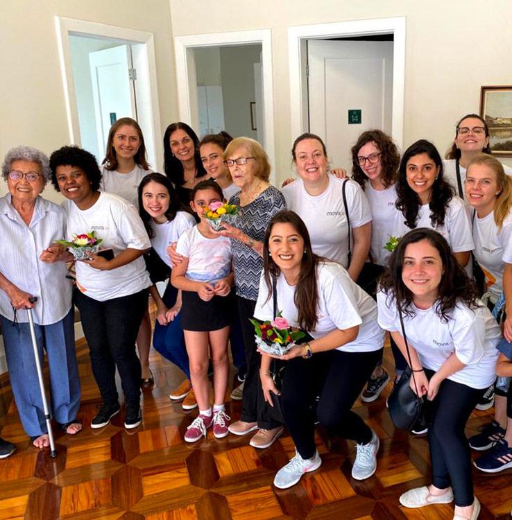 Ação realizada pelo Mova junto com o Instituto Flor Gentil em casa de repouso de São Paulo, em 2019