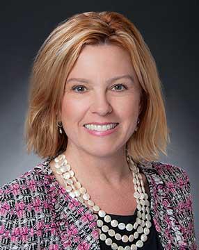 Lesa Christenson Headshot