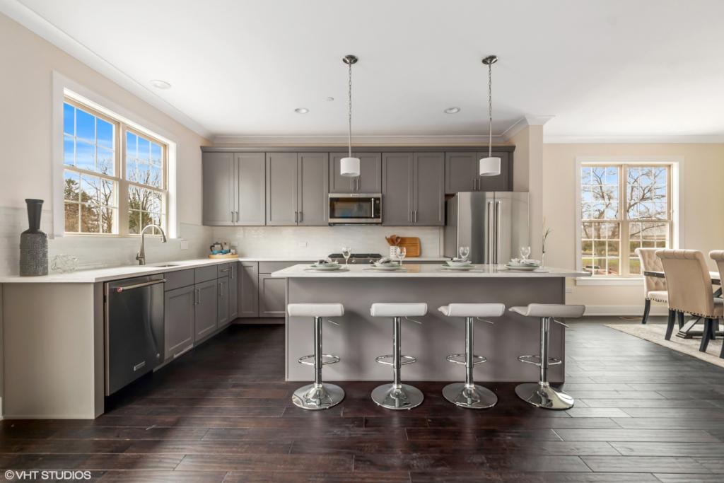 Elm Street Place Luxury Townhome Rentals Deerfield IL - Kitchen Island