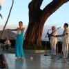 kanoe miller dancing hula at the house without a key at Halekulani Hotel