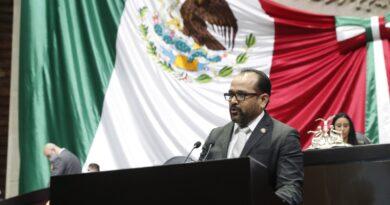 Propone Enrique Castañeda Ampliar a 31 Días la Licencia por Paternidad