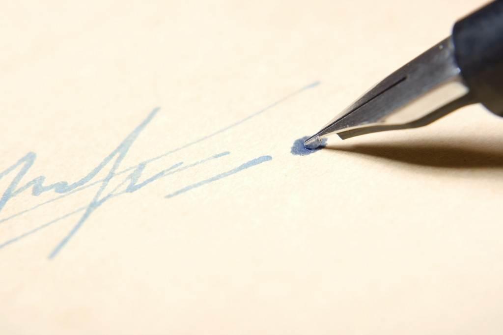 Pen/Signature