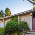 Mid-Century Modern Home Lists in Lake Hollywood Estates