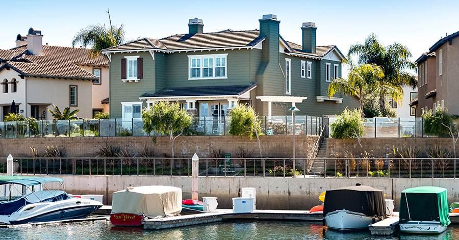 boat-dock-house