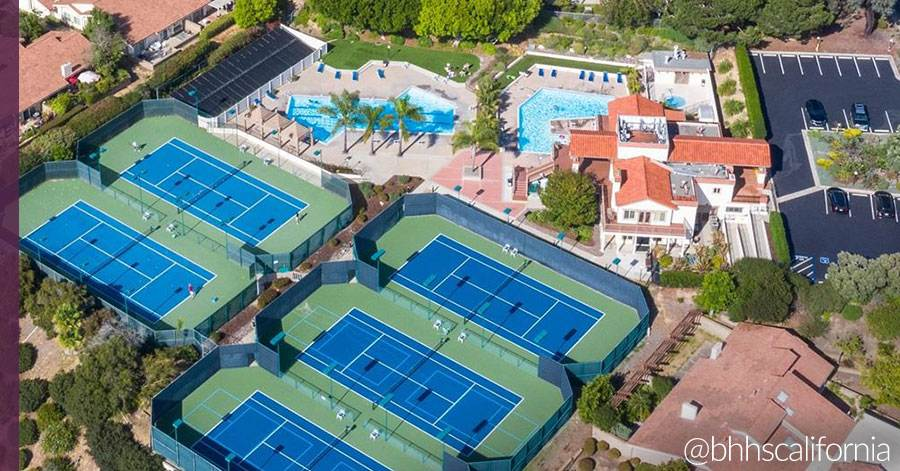homes-sports-facilities-tennis-courts