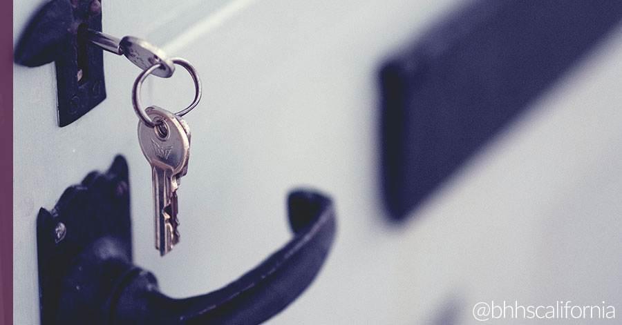 key-in-lock-front-door