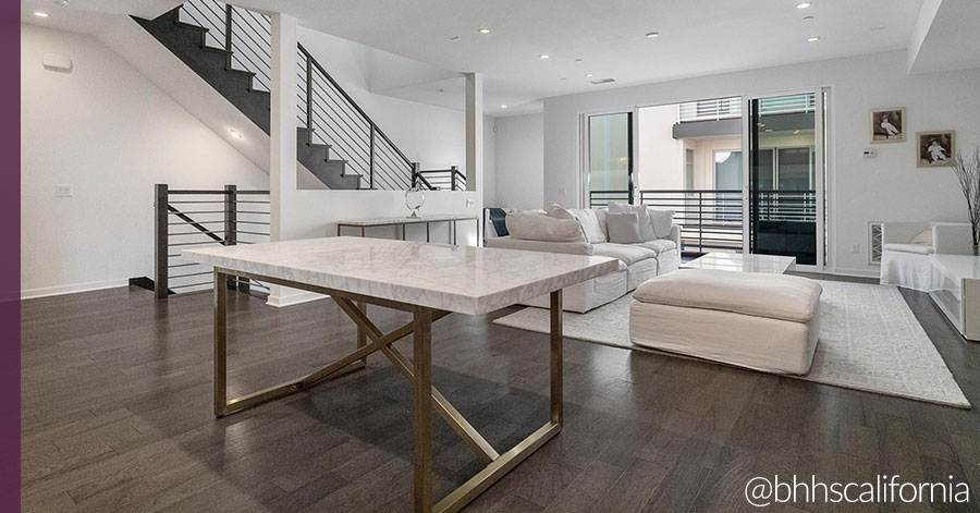 homes-with-wood-floors