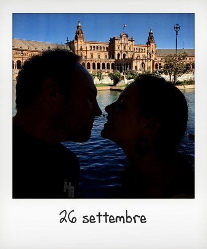 Matrimonio senza bambini a Siviglia - coppia a Plaza de Espana