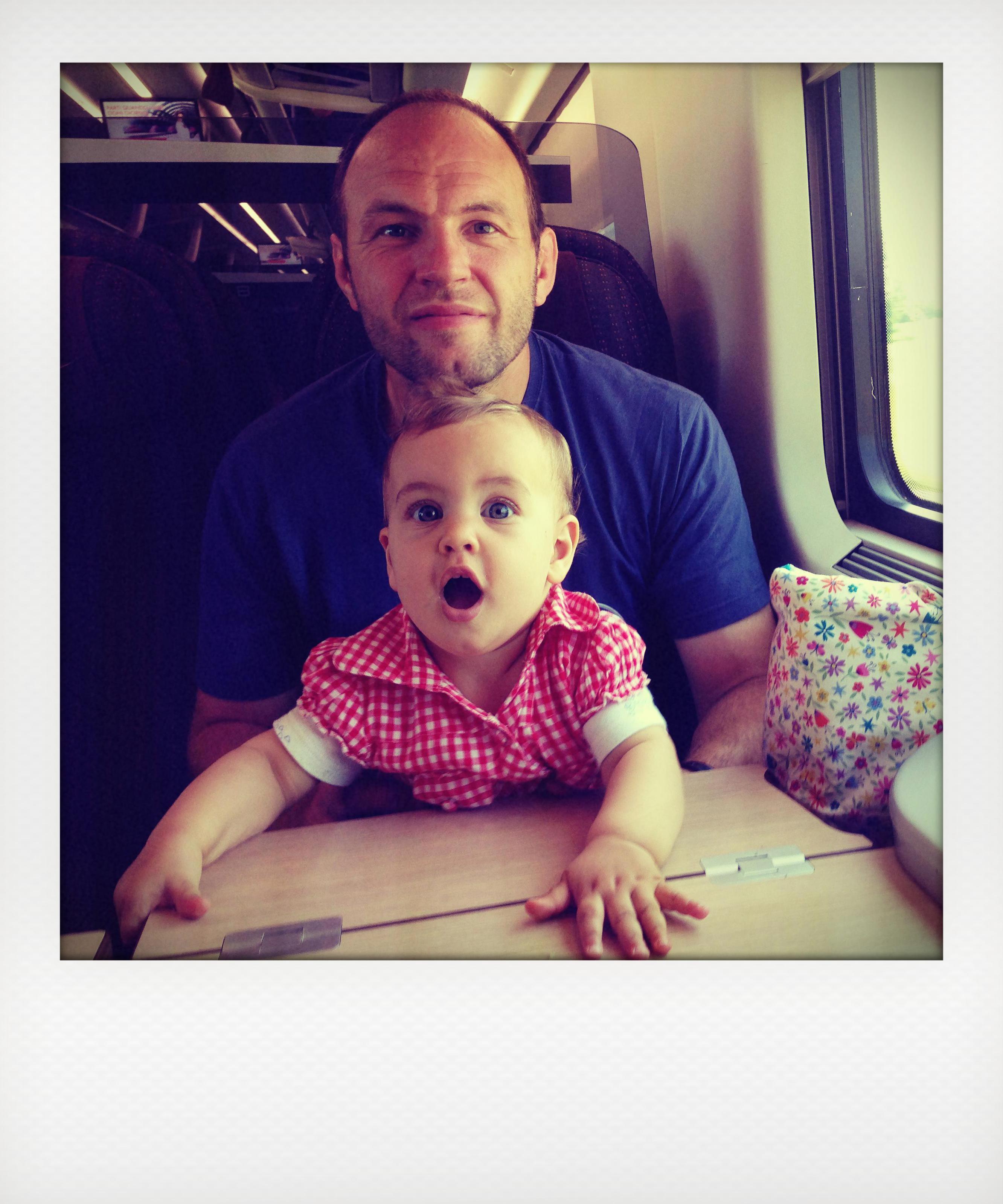 Con i bimbi in  auto, treno o aereo