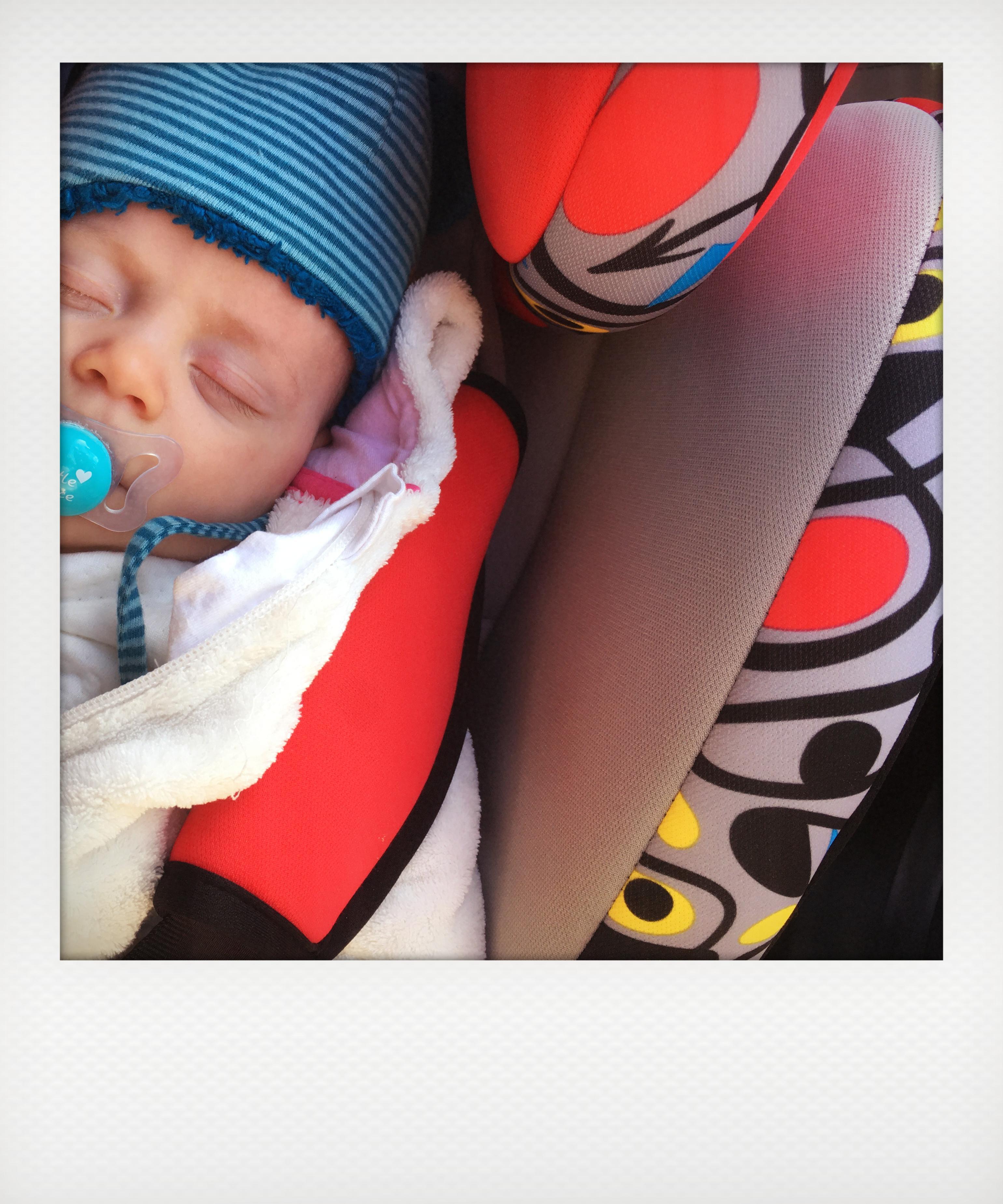 Bebè a bordo. Il seggiolino per neonati