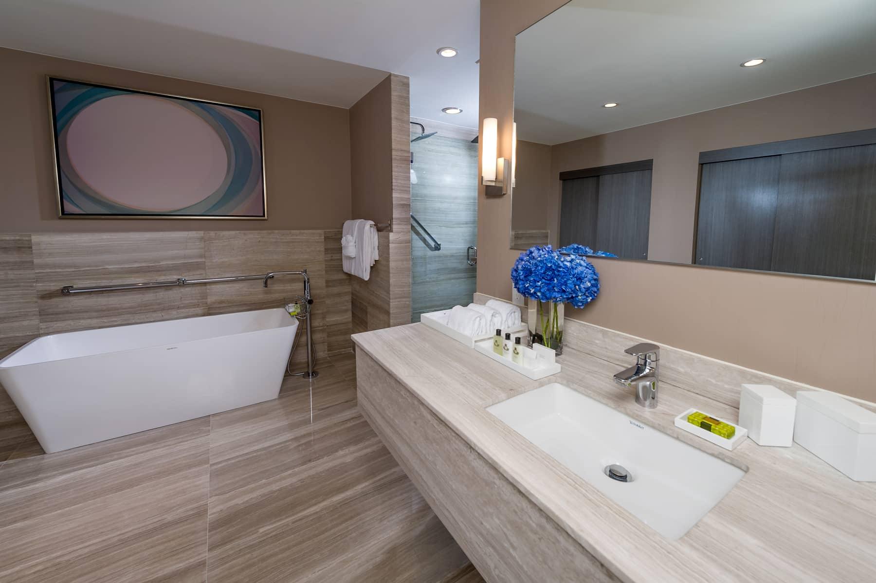 Intercontinental Hotel   Bathroom   Miami, FL   Hospitality   Interior Designers