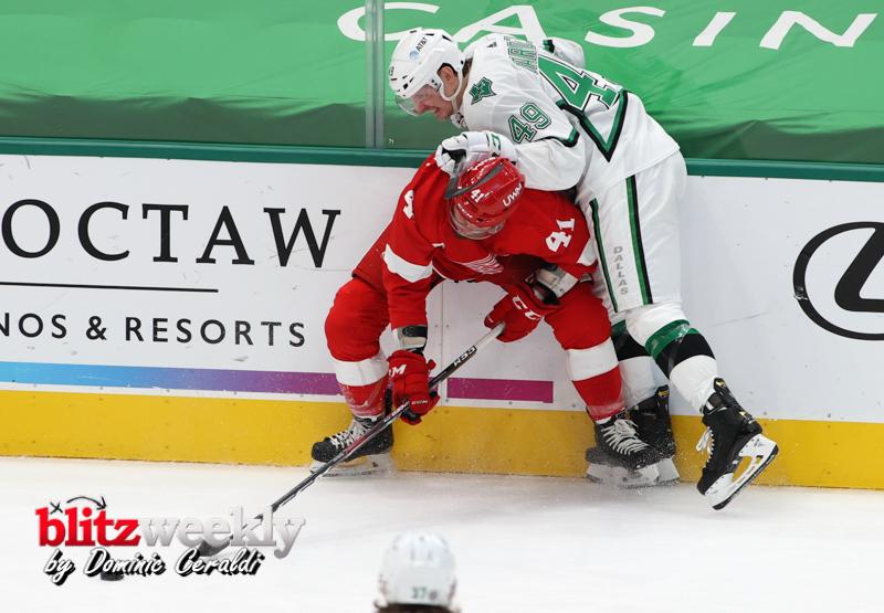 Stars-vs-Red-Wings-13
