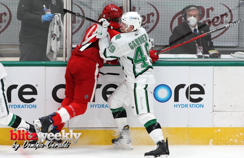 Stars-vs-Red-Wings-45